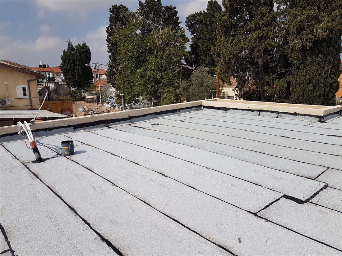 איטום גג בניין באשקלון